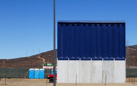 Presentan 8 prototipos para el muro fronterizo entre México y EU