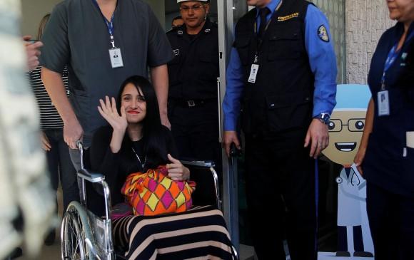 Ximena Suárez venció el miedo a volar. Volvió a hacerlo desde Brasil hasta Chile, para ver a Luis Fonsi. Foto Reuters