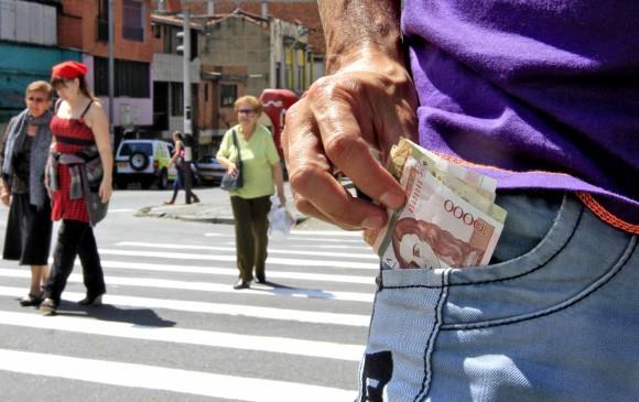 El salario mínimo en Colombia es el 10% del básico en Suiza ...