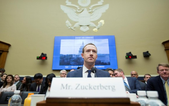 Cambridge usó datos de Zuckerberg