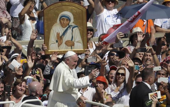Madre Teresa de Calcuta ya es santa