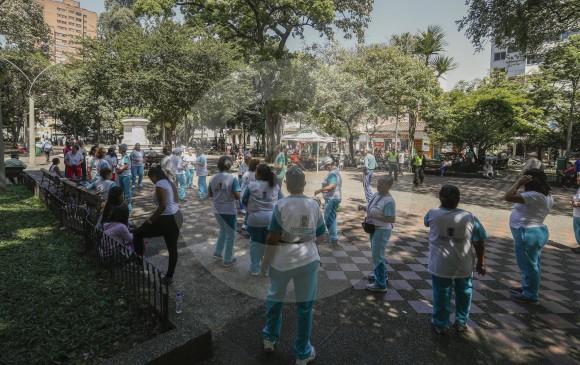 El grupo de la tercera edad de Villanueva aprovecha el lugar para sus ejercicios aeróbicos. FOTOS MANUEL SALDARRIAGA