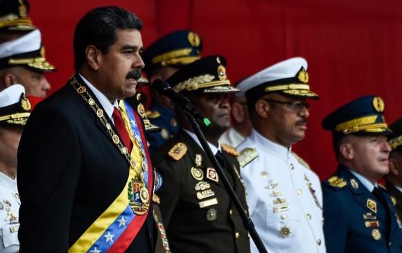 El chavismo se ha sostenido en buena medida por el respaldo de las Fuerzas Militares y de Policía, pero la confianza se ha minando desde que asumió Nicolás Maduro como presidente. FOTO AFP