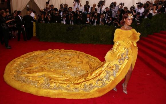 Rihanna en la exposición 2015. FOTO Reuters