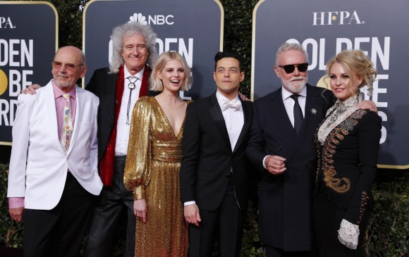 Rami Malek, Lucy Boynton y los integrantes de Queen. FOTO AFP