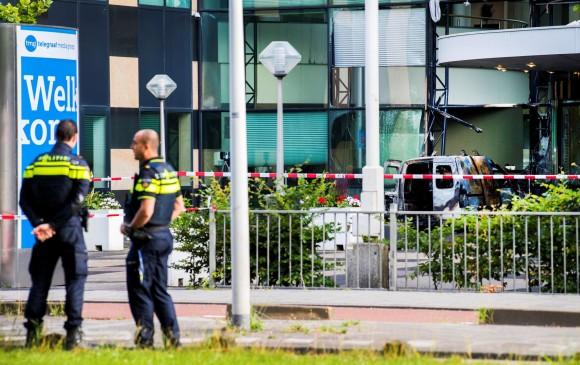 Mundo: Estrellan un utilitario contra la sede del diario holandés De Telegraaf