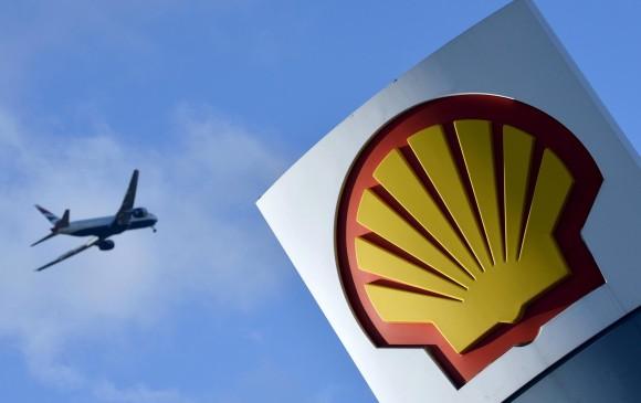 Noble compra a Shell 40% en dos planes