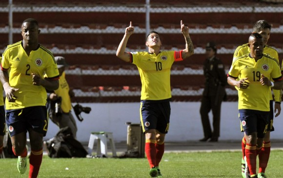 James Rodríguez anotó el primer gol y asistió en la segunda anotación de Colombia. FOTO AFP