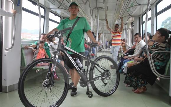 Metro de Medellín permite transportar bicicletas