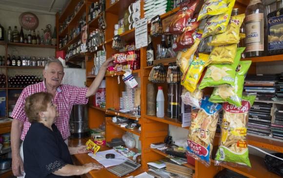 Reforma tributaria: Gobierno busca que tiendas y peluquerías paguen un impuesto