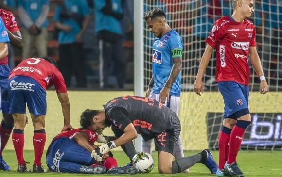 Este fue el momento de la lesión del zaguero Hernán Pertuz. FOTO JUAN ANTONIO SÁNCHEZ