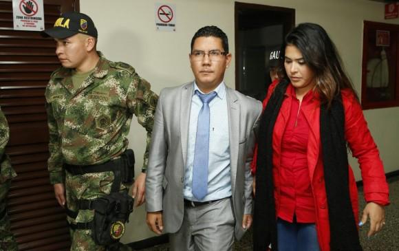Envían a la cárcel al fiscal anticorrupción Óscar Javier Martínez