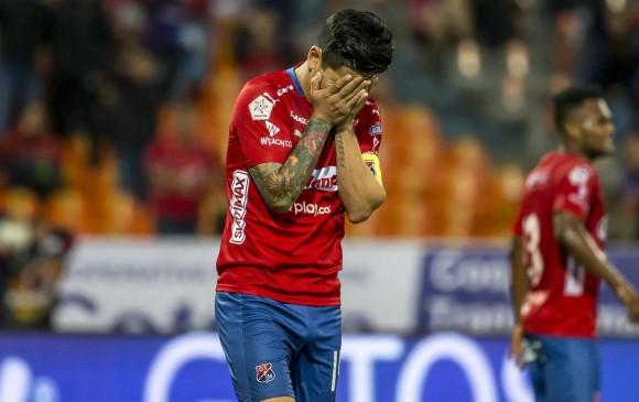 Germán Cano sale del Medellín