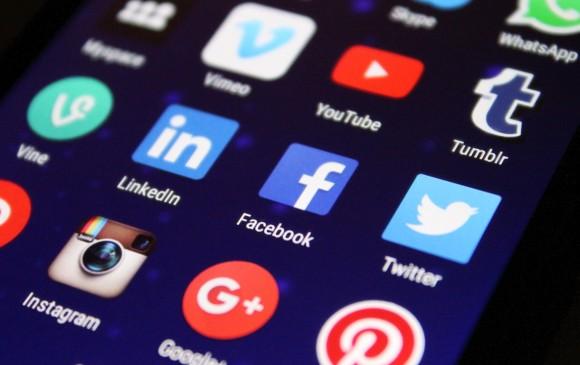 El plan de Zuckerberg sería tener más información de los usuarios de las plataformas para potenciar la publicidad, que es su negocio. FOTO: Pixabay