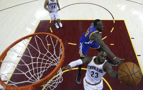 Warriors se muestran confiados con Green; Cavaliers otra vez a la desesperada