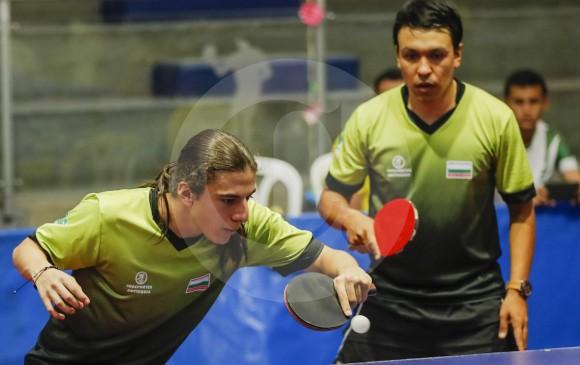 Juan P. Gallego y Alexánder Echavarría le dieron oro a Antioquia. Echavarría domina el Nacional de tenis de mesa con dos doradas. Aspira ganar en dobles masculino e individual. FOTO robinson sáenz