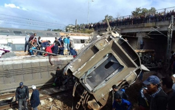 Descarrila tren de pasajeros en Marruecos; al menos siete muertos