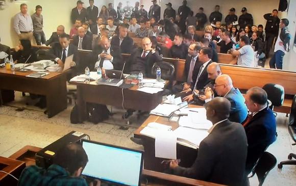 Juez deja en libertad a los 13 policías vinculados a crimen