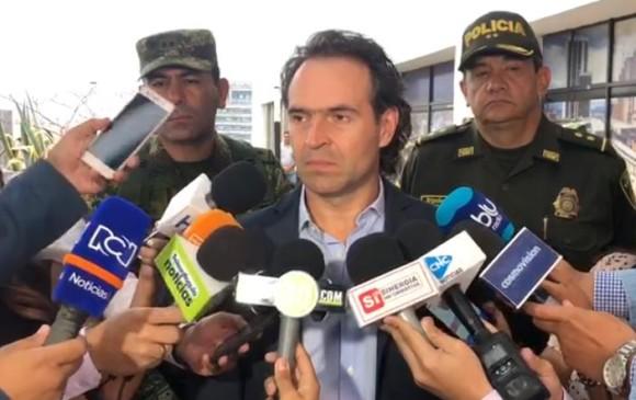 Alcalde de Medellín, Federico Gutiérrez, expresa condolencias por el atentado en Bogotá. Foto: clip video de Secretaría de Seguridad de Medellín.