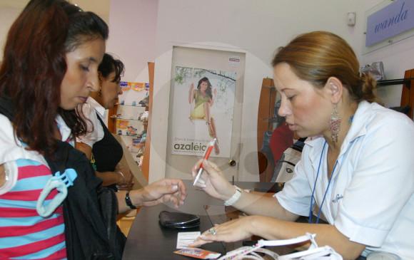 Mujeres y jóvenes son los que más piden créditos en Colombia
