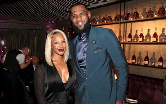 ¡Es oficial! Lakers anuncia que LeBron James ha firmado