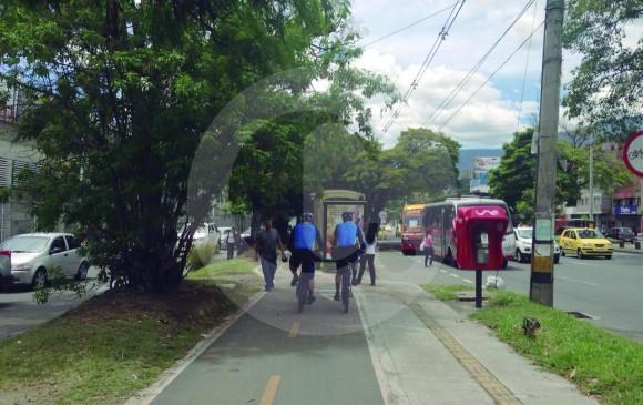 El propósito de los agentes de tránsito en bicicleta es fomentar el uso responsable de este medio de transporte en Medellín. Buscan educar ciclistas, peatones y conductores. FOTOS Miguel Ángel López