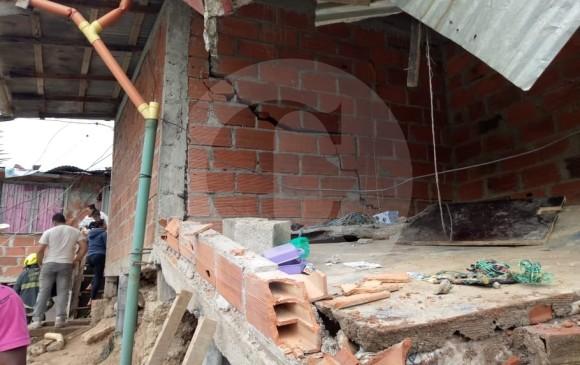 Cinco viviendas se desplomaron luego de la evacuación. FOTO CORTESÍA DAGRD