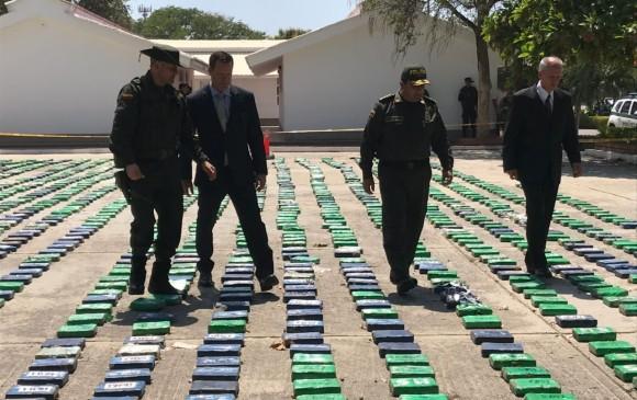 Perro policía detectó más de 2 toneladas de cocaína en puerto colombiano
