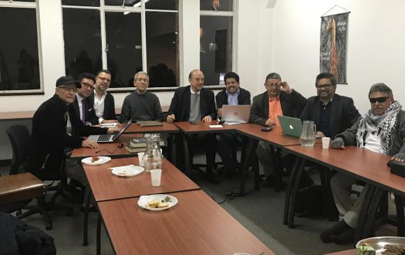 Santos evaluó el encuentro entre las Farc y exparamilitares