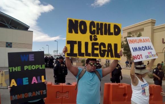 Marchas en la frontera entre Estados Unidos y México. FOTO EFE
