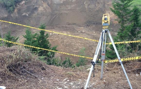Los movimientos de la montaña estan en constante vigilancia por los topógrafos.