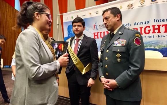 El brigadier general Alberto Sepúlveda Riaño recibió la distinción. FOTO CORTESÍA EJÉRCITO
