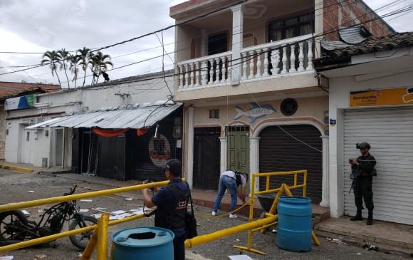 Así quedó el lugar de la detonación tras el ataque con moto bomba a la sede de la Fiscalía en Corinto. FOTO COLPRENSA