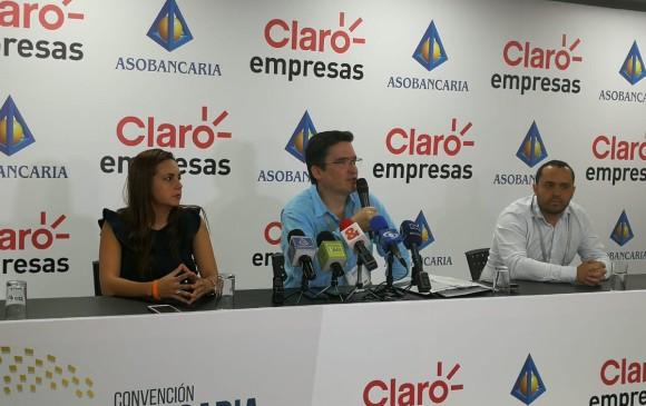 Santiago Castro, en el centro de la imagen, presentó el Equipo de Respuesta a Incidentes Cibernéticos (CSIR), en Cartagena. Foto: Cortesía Asobancaria.