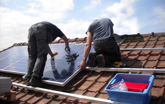 Aun en días nublados se genera energía solar. Todo esto se analiza en el montaje de un sistema. FOTO cortesía Exposolar