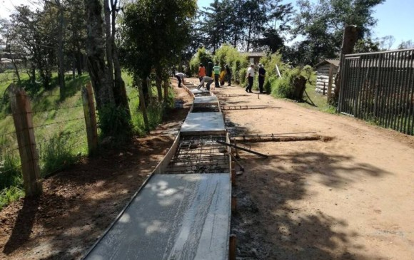 Con $120.000 millones avanza red vial secundaria en Antioquia