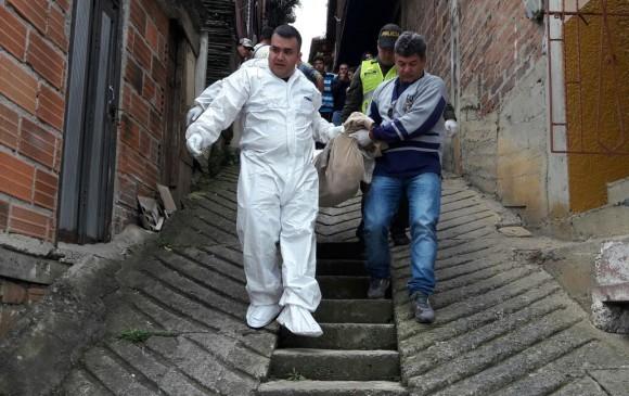 Asesinato en el municipio de Girardota. El cuerpo sin vida corresponde a Humberto de Jesús Cardona, de 47 años. FOTO MAURICIO PALACIO