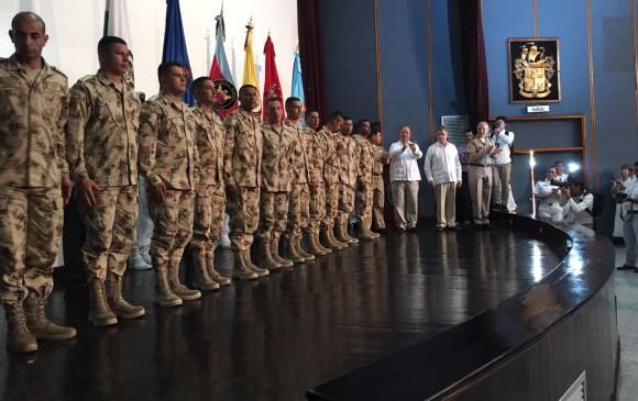 Juan Manuel Santos destaca papel de militares en logro de la paz