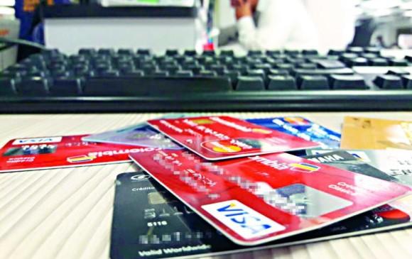 La compañía de financiamiento espera emitir 50 mil tarjetas de crédito con este sistema de pago a cierre de 2018. FOTO: Colprensa