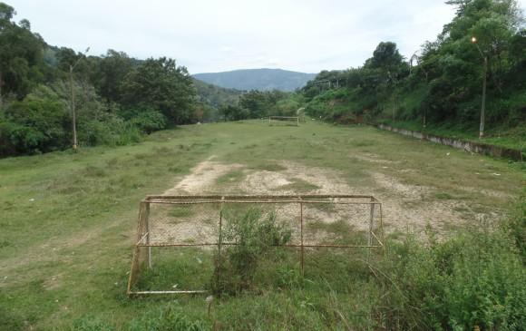 2. Esta es la cancha que queda en la zona.