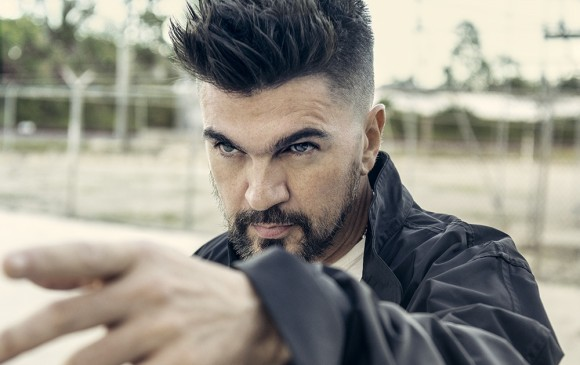 Juanes estalla ante el uso de su música para fines políticos — Indignado