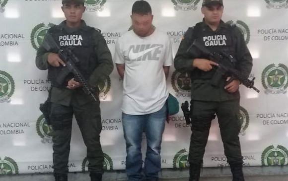 """Alias """"Yogui"""" era requerido mediante orden judicial por los delitos de concierto para delinquir, extorsión y desplazamiento forzado. FOTO: CORTESÍA"""
