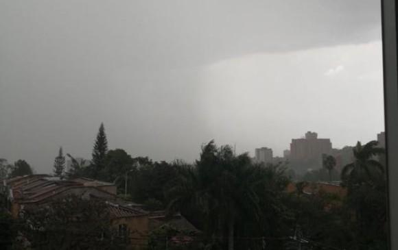 Lluvia de este miércoles. FOTO @reciclait