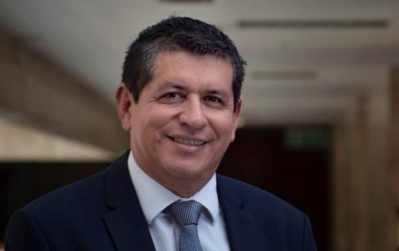 Jairo Cristancho, presidente de la Comisión Sétima de la Cámara de Representantes y promotor del etiquetado frontal en los productos no saludables. Foto: Cortesía Cámara de Representantes.