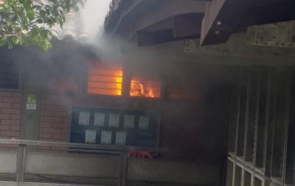 Las llamas fueron controladas por los bomberos en menos de una hora, y no se propagaron a otros salones. FOTO: CORTESÍA.
