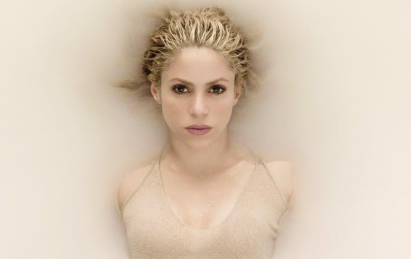 Shakira está loca de amor por Piqué en