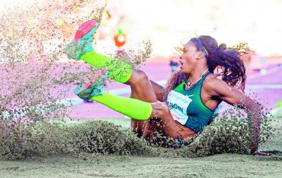 La medallista olímpica Caterine Ibargüen sigue mostrando hambre de triunfo y de mejorar marcas, como lo ratificó ayer en Oslo desde su primer salto. FOTO AFP