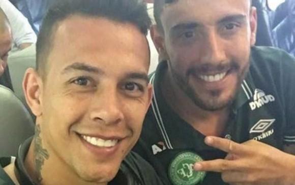 El defensor Alan Ruschel y el arquero Danilo Padilha fueron rescatados con vida del lugar del accidente. Al parecer, iban juntos en el avión que se estrelló.