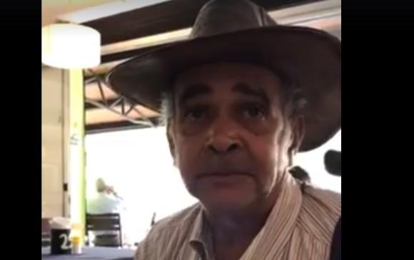 La verdadera historia del cantante discriminado en restaurante — Facebook viral