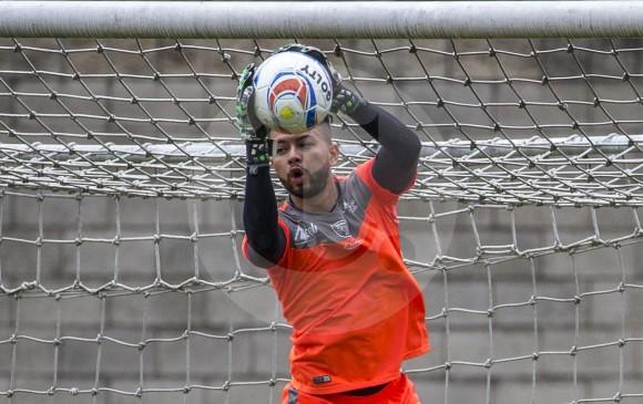 El arquero titular de Leones Arled Cadavid fue la gran figura del partido de ida en Tunja en el 0-0